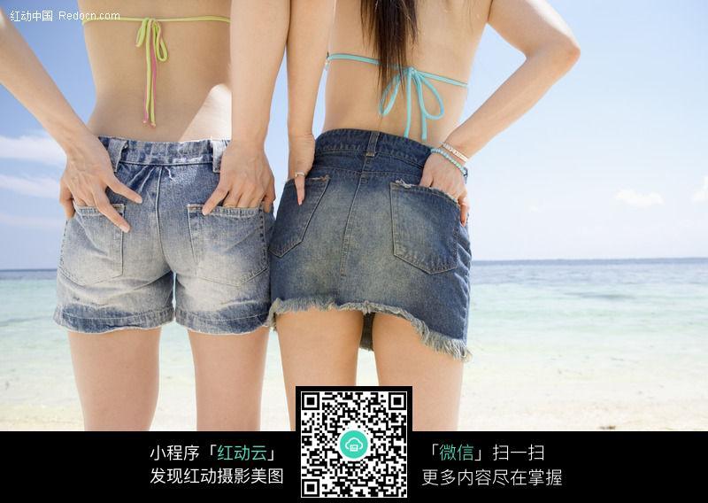 比基尼美女 牛仔短裤短裙图片