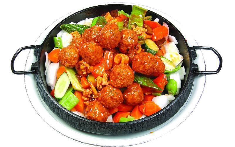 菜 菜谱制作 铁板三鲜丸子