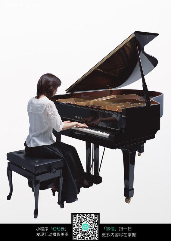 美女弹钢琴图片 影音娱乐图片