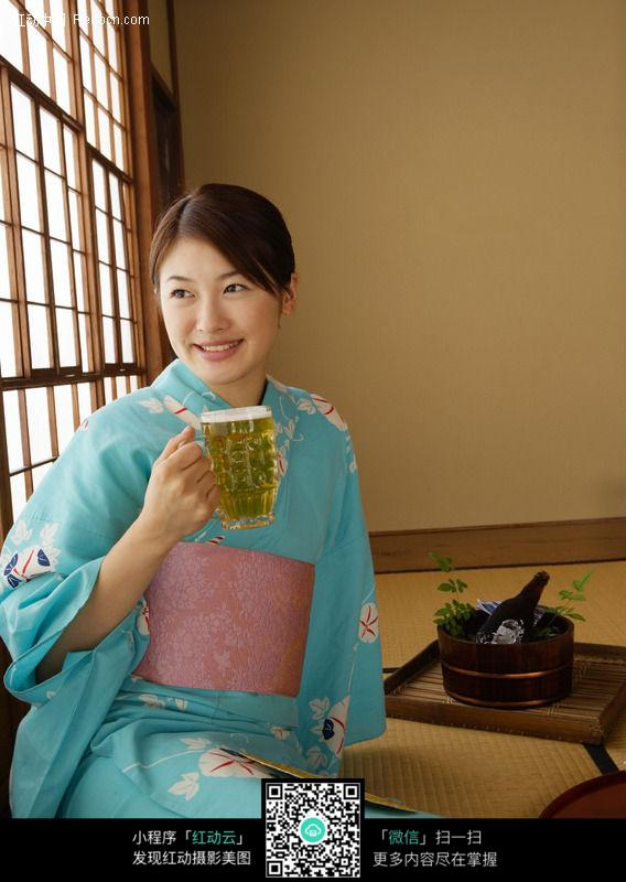穿和服的日本女人91a图片
