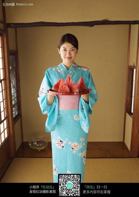穿和服的日本女人81a图片