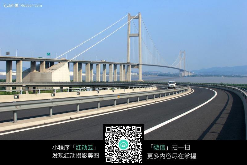 润扬长江大桥高速路图片