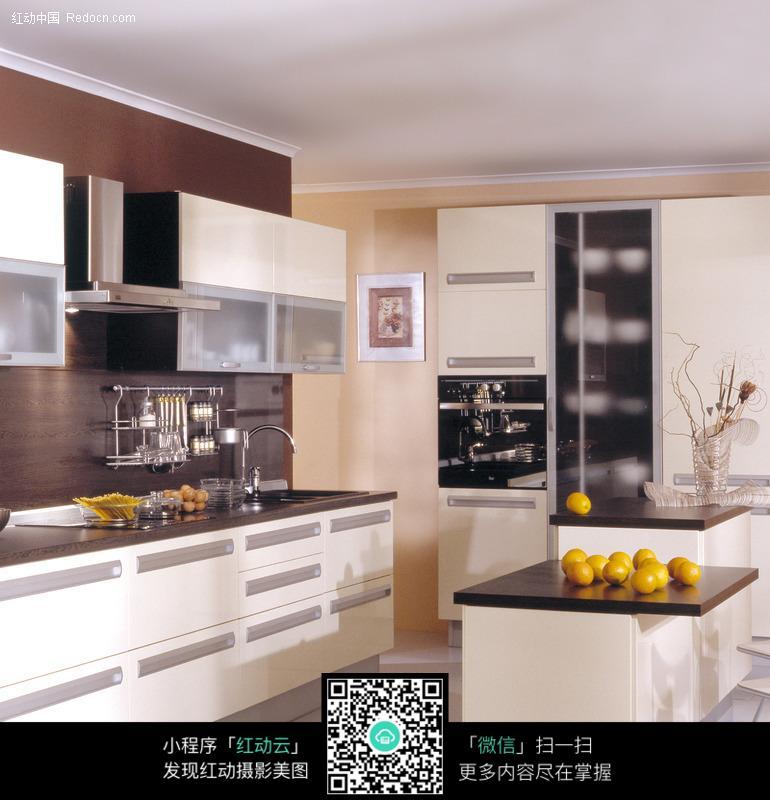 欧式豪华客厅厨房设计效