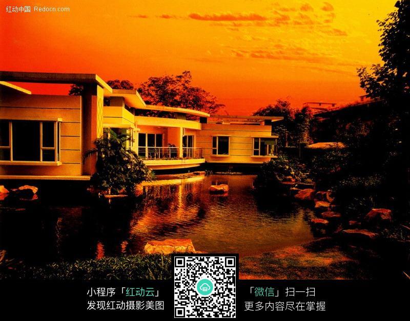 水边别墅图片