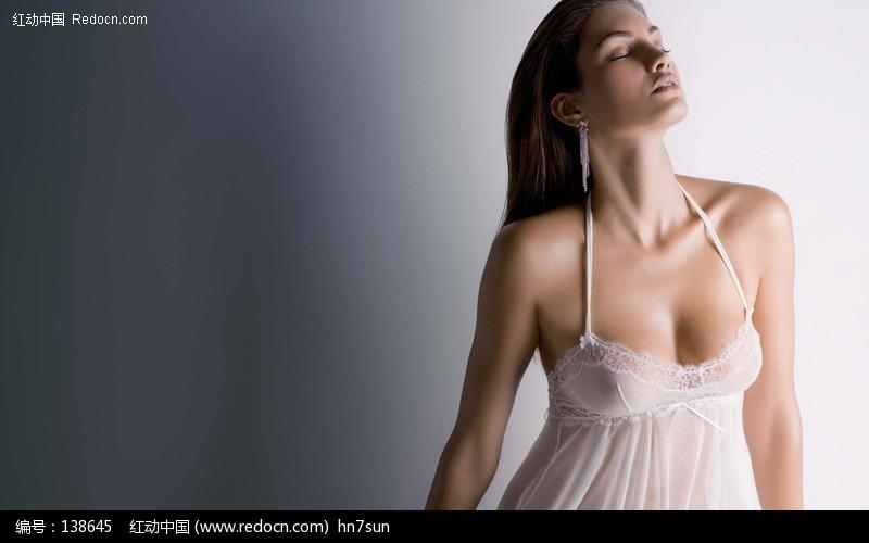 透明内衣美女图片