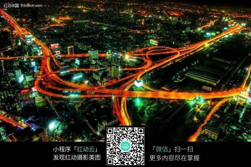 > 环境居住 > 城市风光 > 繁华的城市夜景道路图片 分享即免费下载我