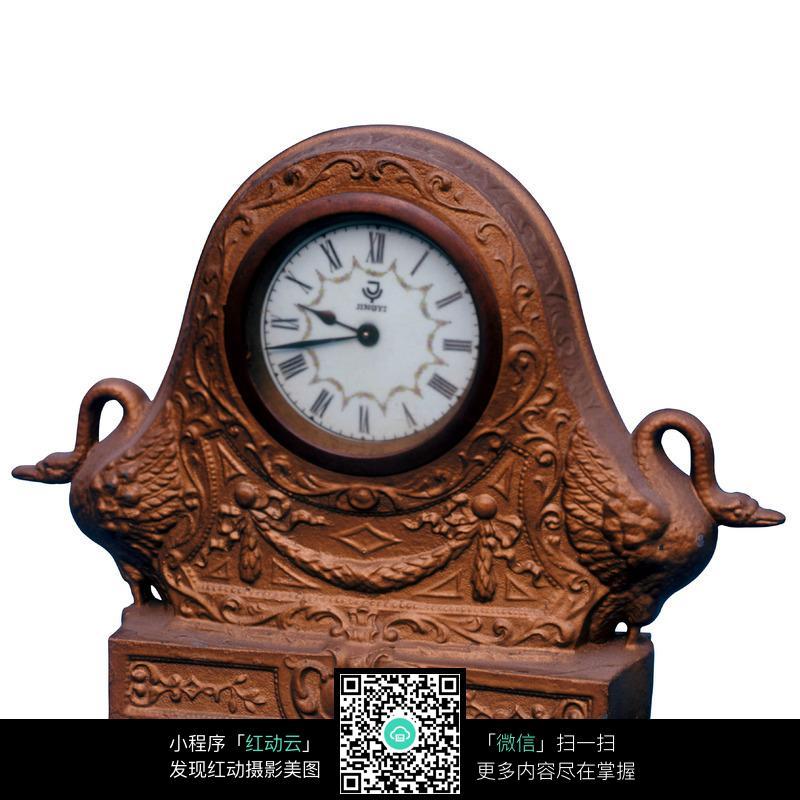 西式雕花钟表图片