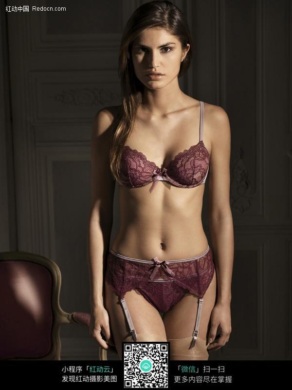 紫色内衣吊带袜的模特美女图片 高清图片