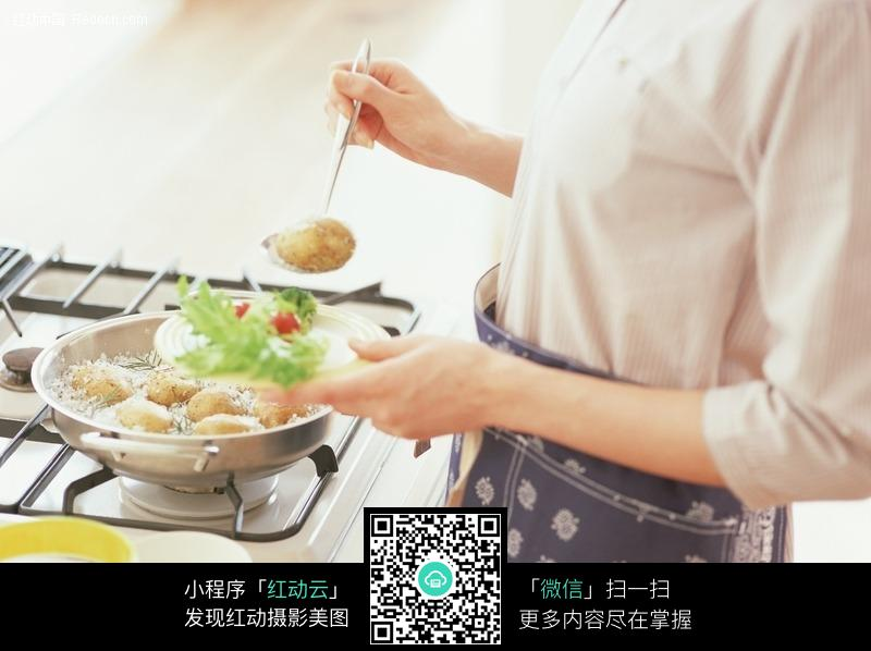 烹饪唯美_四季必备烹饪利器唯美厨房小电器推荐_厨卫_