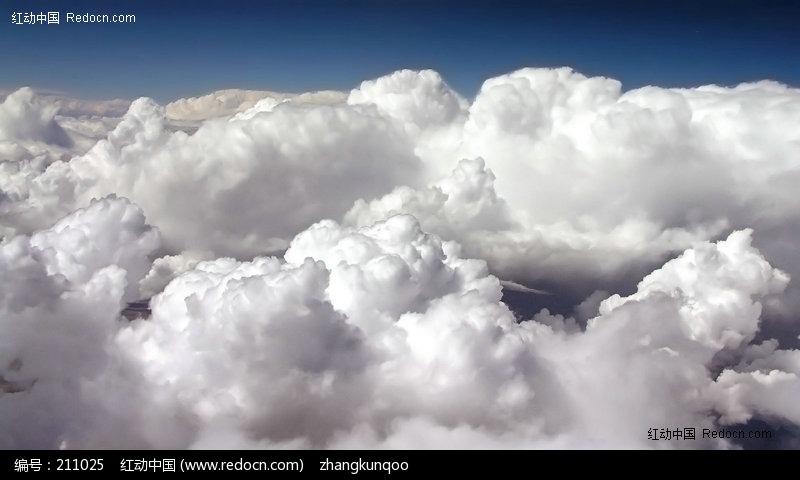 浓浓的白色云朵图片