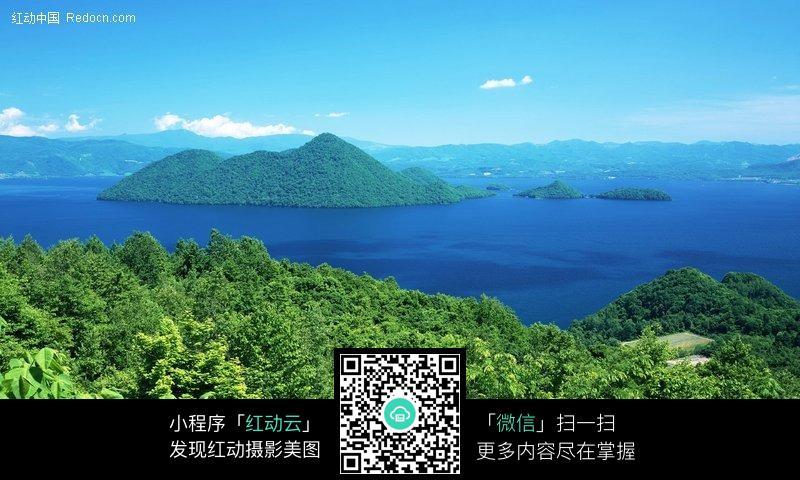 免费素材 图片素材 自然风光 自然风景 群山环绕的湖泊