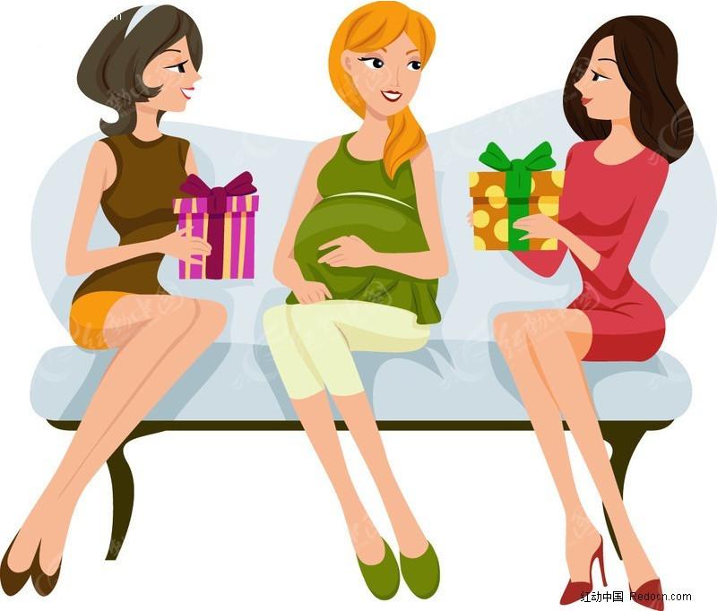 坐在椅子上的三个女人