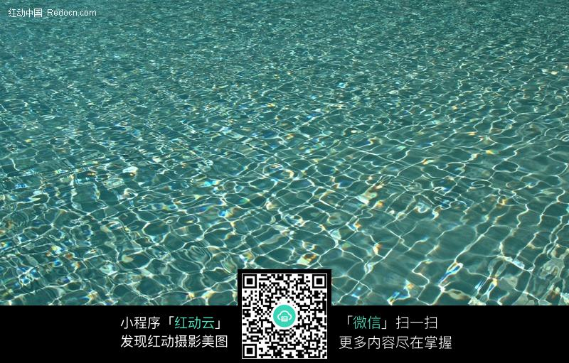波光粼粼的海水底纹纹理图片
