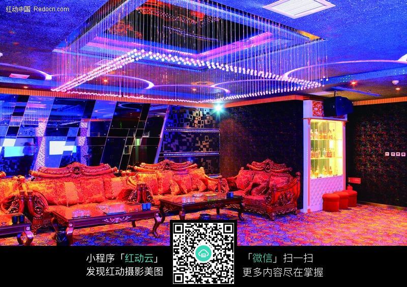 豪华 豪华ktv 夜总会 包厢 包房 包间 大包 欧式沙发 华丽 灯光 水晶图片