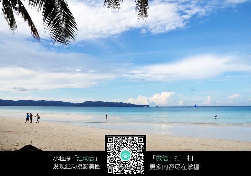 蓝天白云沙滩图片 蓝天白云沙滩设计素材;