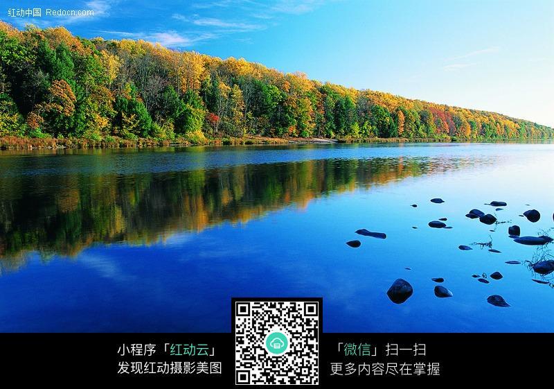 湖泊蓝色河流图片 自然风景图片