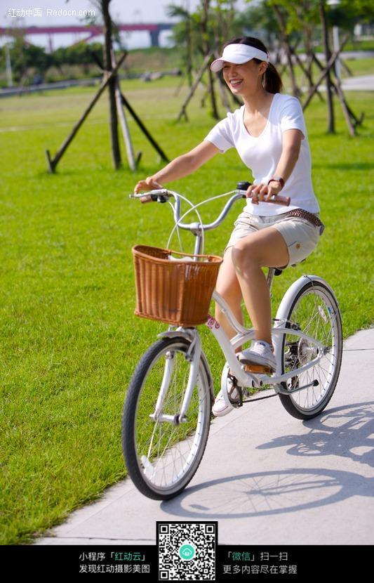少女骑自行车图片免费下载 编号306524 红动网图片