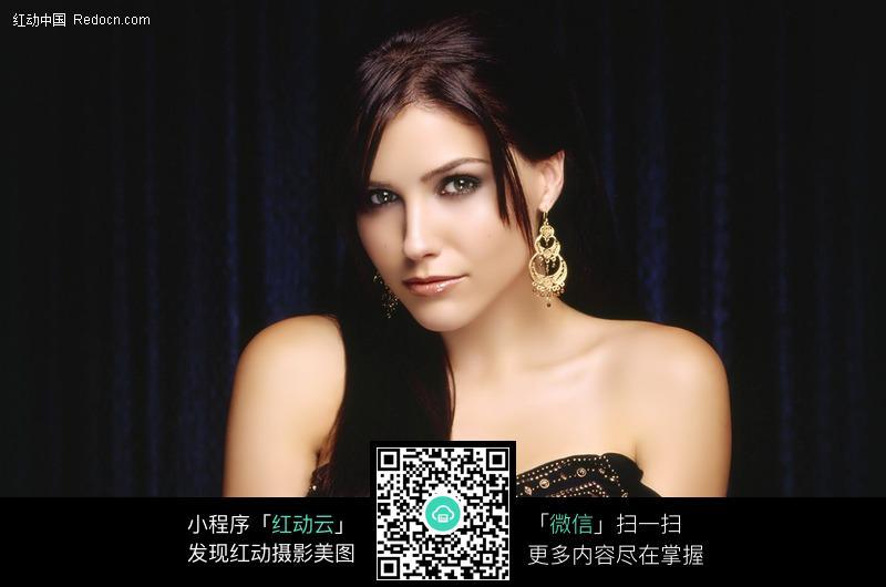 免费素材 图片素材 人物图片 女性女人 > 高贵美女特写图片  免费下载