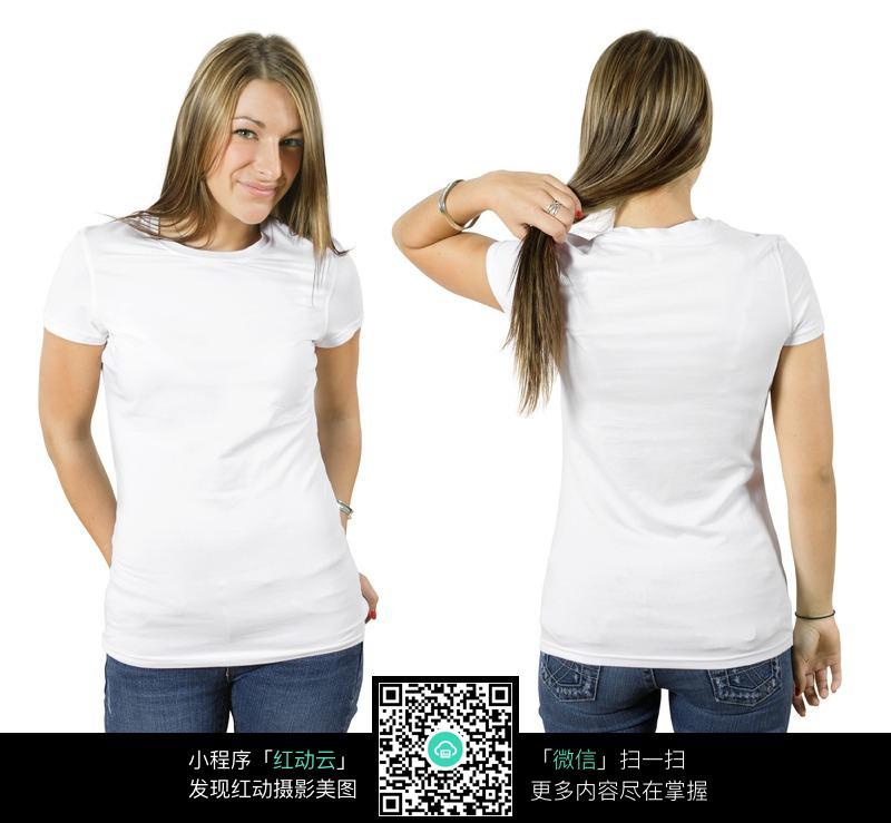穿着白色空白t恤的模特美女图片