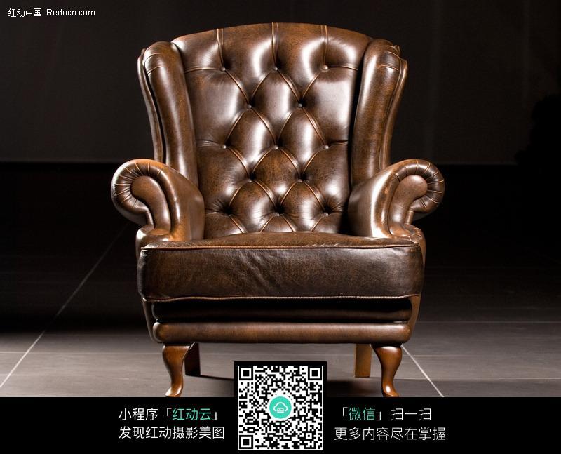 欧式风格的单人皮沙发图片