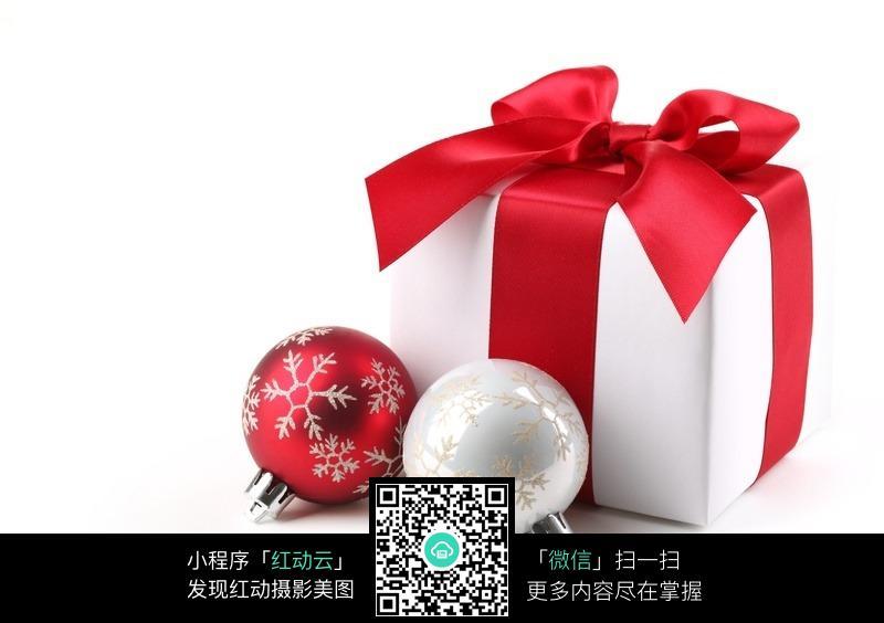 圣诞节礼物盒折纸-圣诞礼物盒彩色挂球图片免费下载 编号329044 红动网图片