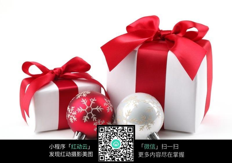 圣诞节礼物盒折纸-圣诞礼物盒挂球图片免费下载 编号329042 红动网图片