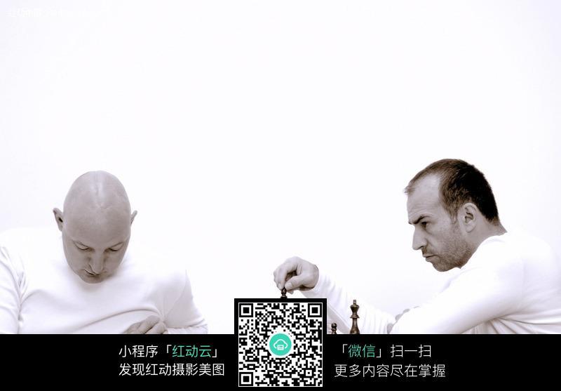 对弈 下国际象棋 下象棋 国际象棋 思考 搏杀 外国人物 职业人物 商