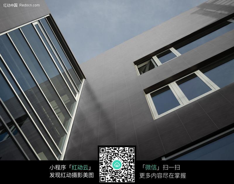 建筑设计仰视手绘