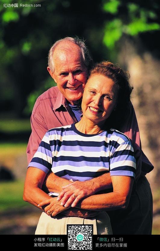 免费素材 图片素材 人物图片 老年人物 阳光下的夫妻