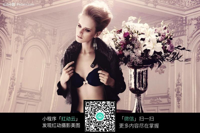 古典欧式内衣女郎图片