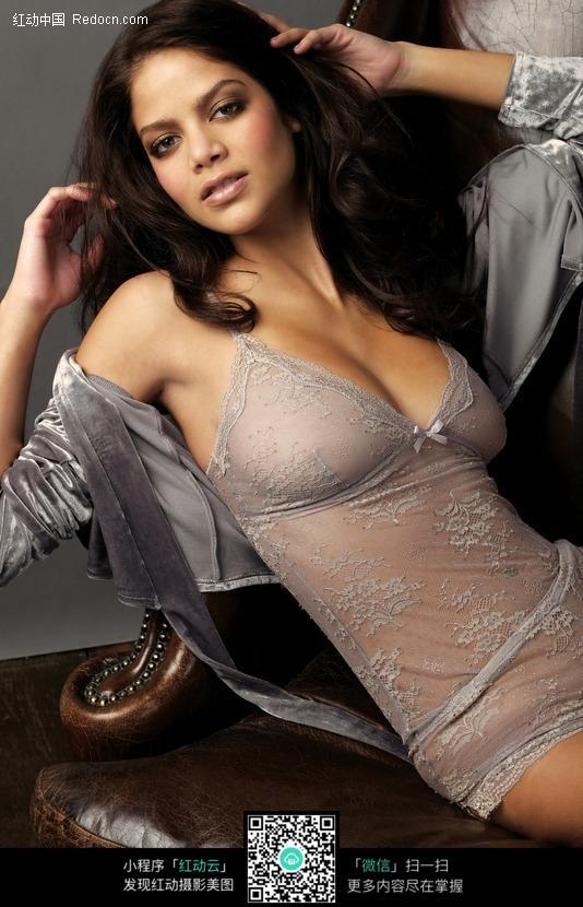 穿透明内衣的外国美女