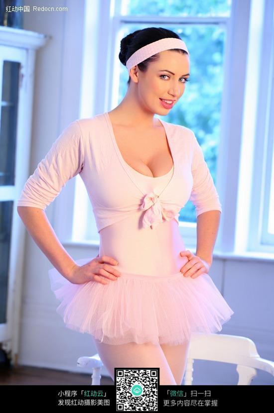 微笑的芭蕾舞美女