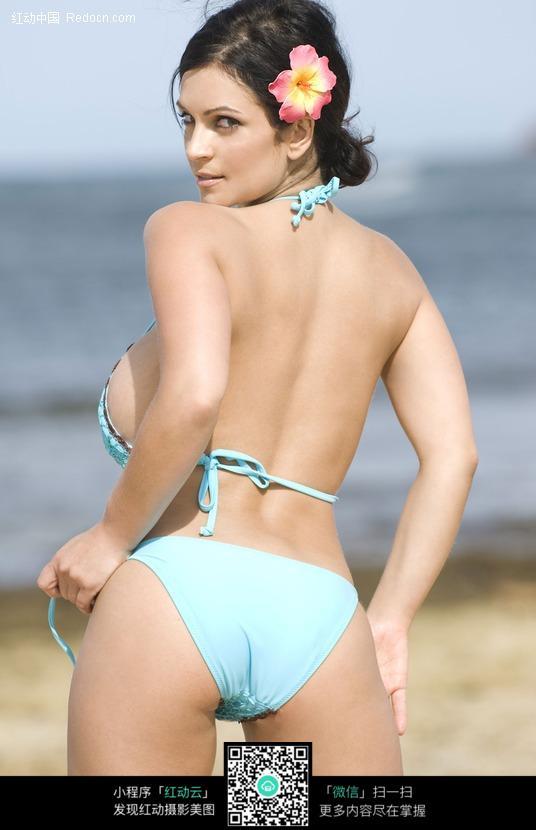 诱人姿势的外国泳衣美女图片