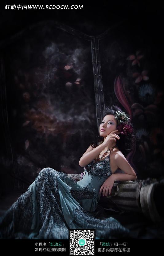 中国古典美女婚纱照图片