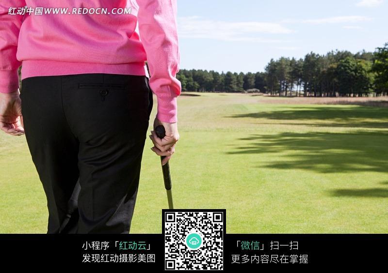 免费素材 图片素材 生活百科 体育运动 手拿球杆的人物背影  请您分享