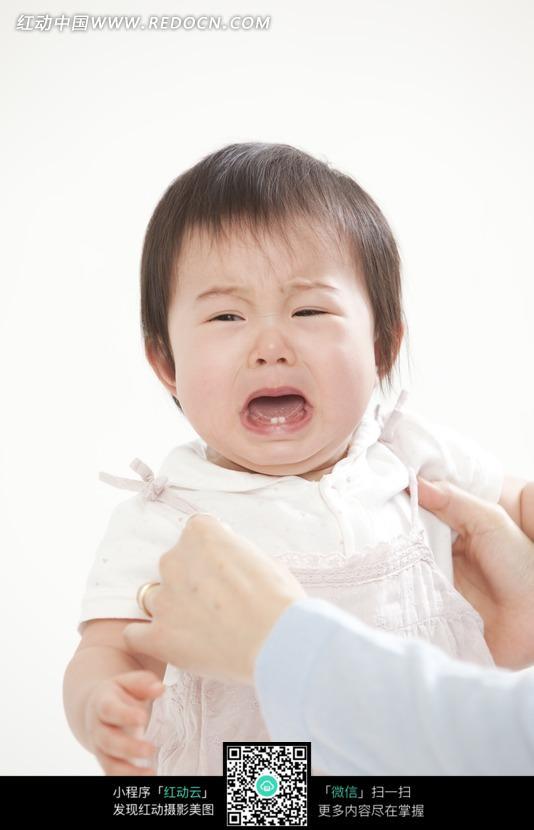 素材下载 图片素材 人物图片 儿童幼儿 > 张嘴大哭的宝宝图片