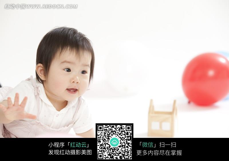 爬行的宝宝图片_儿童幼儿图片