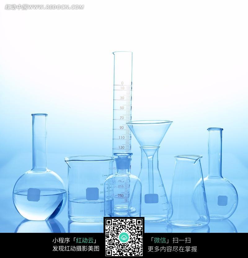 玻璃实验器皿特写图片