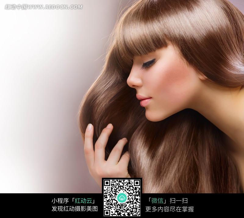靓丽秀发美女图片