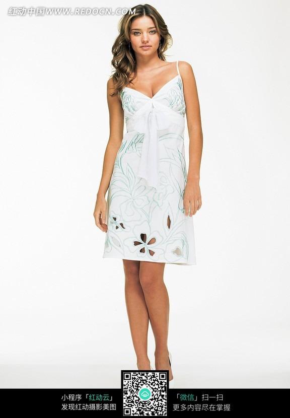 穿白色连衣裙的外国美女图片 女性女人图片