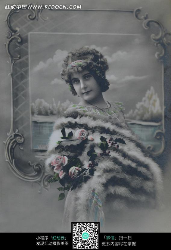 免费素材 图片素材 人物图片 女性女人 欧美复古风-身着皮草的女人