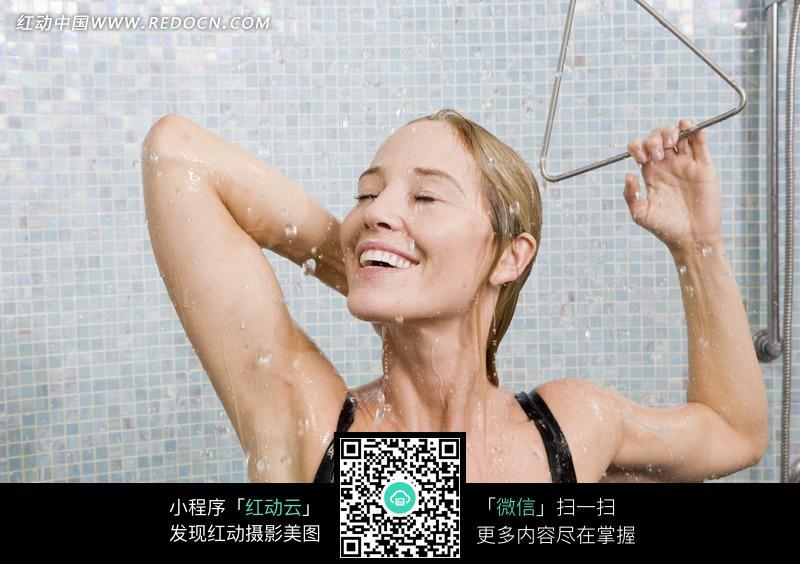 愉快下载的美女图片-美女图片素材|图片库|人物洗澡(编号:650219)粪脱图库迅雷图片