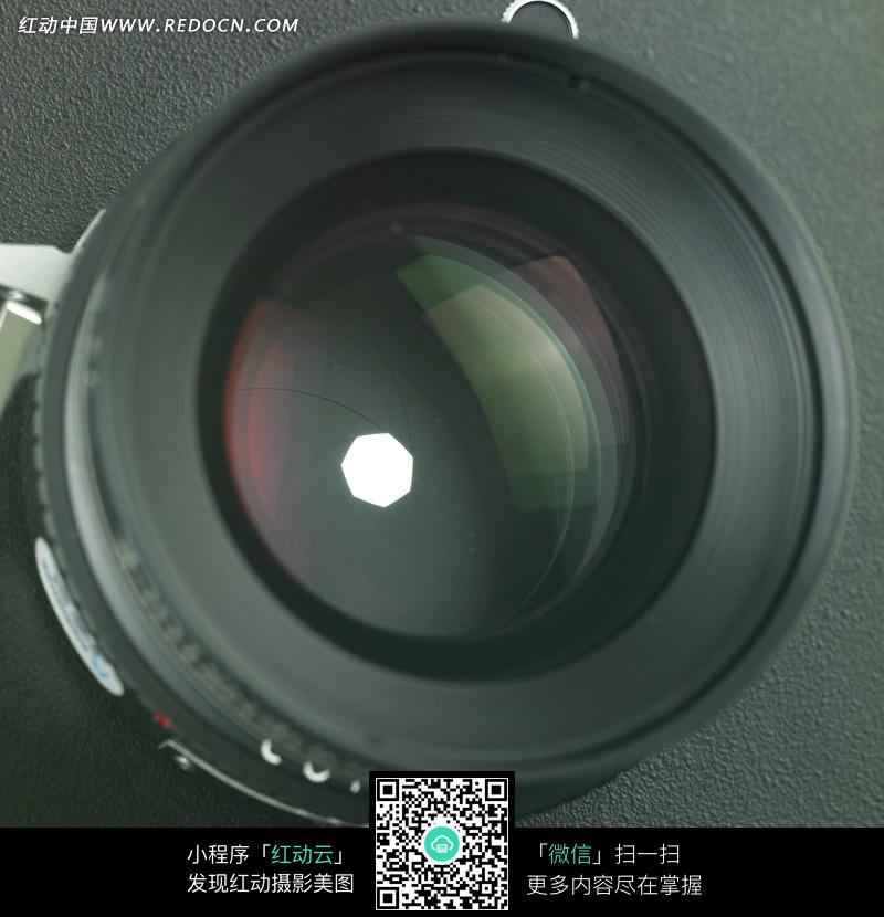 摄像机的镜头特写图片