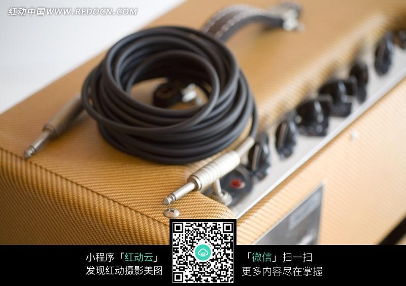 电吉他音箱连接线设备