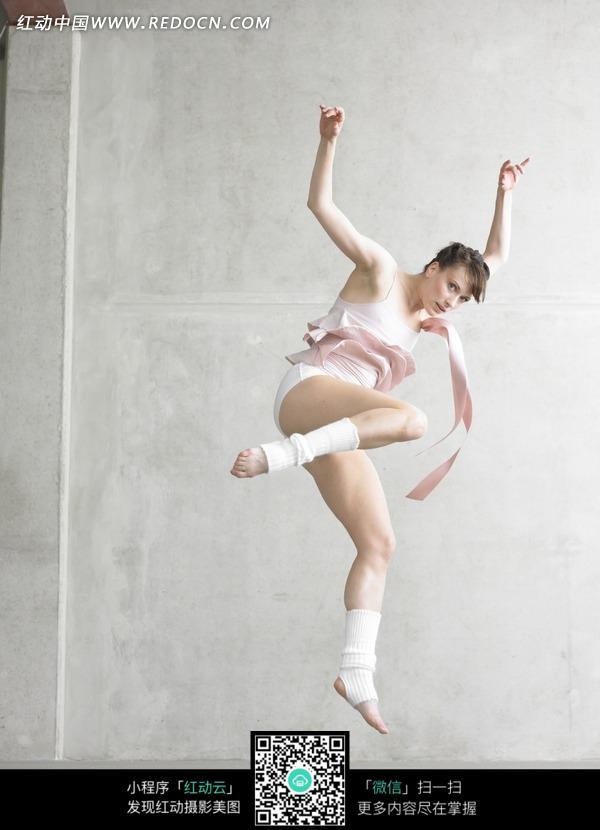 小女孩芭蕾舞素材