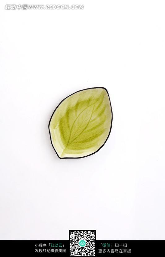 树叶形状盘子照片图片