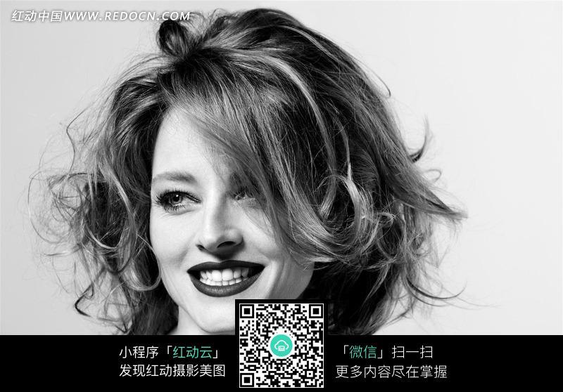 红动网提供女性女人精美素材免费下载,您当前访问素材主题是头发凌乱图片