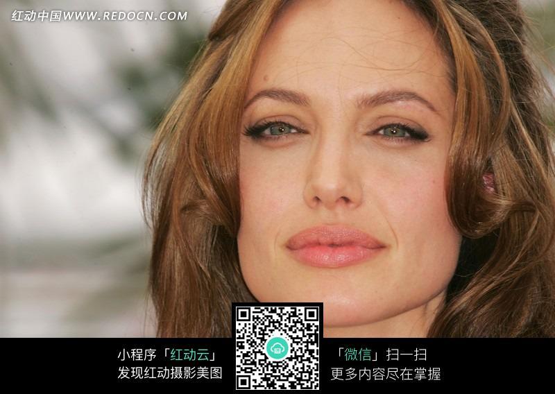 诱人表情的外国美女茱莉图片
