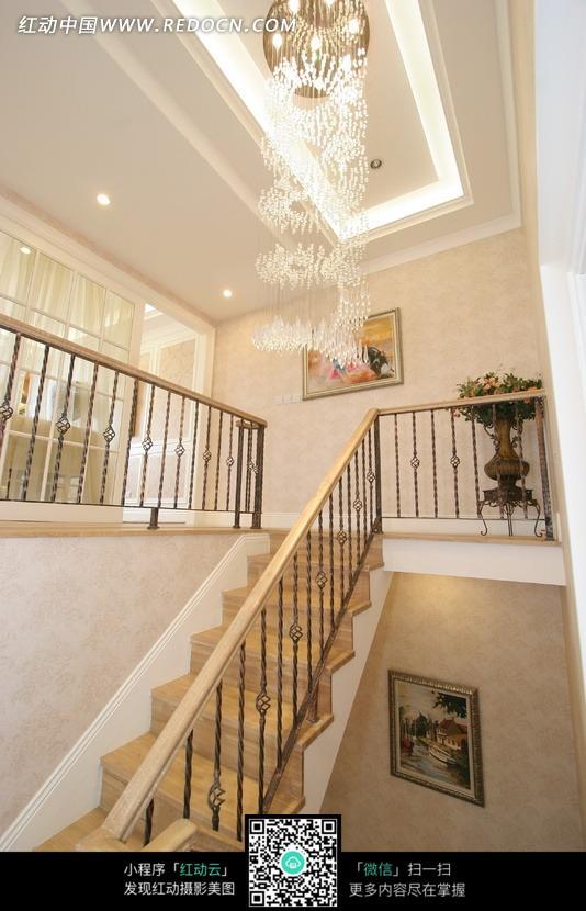 别墅复式住宅楼梯空间展示设计图片