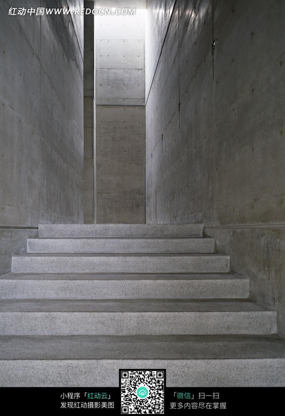 向上的大理石台阶图片素材